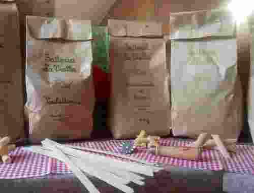 Diverse Pasta Sorten der Fattoria La Vialla Pasta di semola di grano duro Spaghetti, Fusilli, Penne lisce, Tagliatelle, Ling