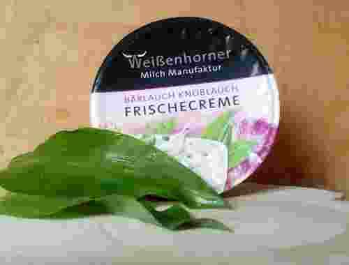Frischcreme mit Bärlauch und Knoblauch aus der Weißenhorner Milch Manufaktur