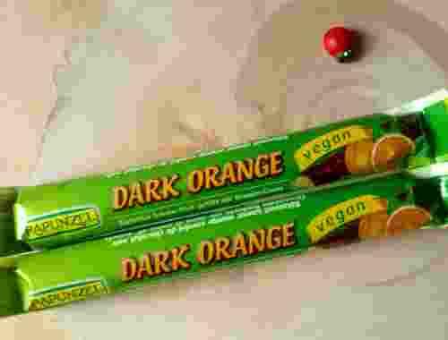 Dark Orange 51% Kakao Zartbitter Schoko Stick gefüllt mit Orangen Creme von Rapunzel