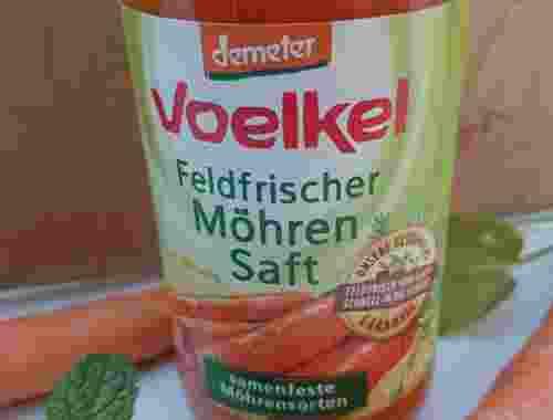 Feldfrischer Möhren Saft Karotten Saft von Voelkel