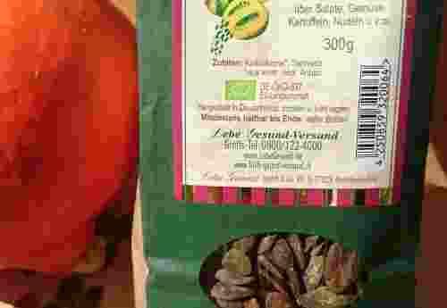 Kürbiskerne salzig geröstet mit Steinsalz 300g von Lebe Gesund Lebe Gesund Kürbiskerne dekorativ (1)