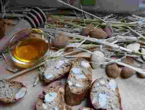 Glutenfreie Cantucci - Spezialität auf der Basis von Vollkornreismehl von der Fattoria La Vialla -- Glutenfreie Cantucci der Fattoria La Vialla