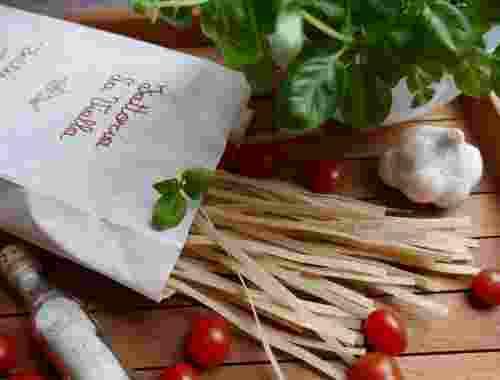 Glutenfreie Fettuccine aus 100% Vollkornreismehl der Fattoria La Vialla--geschmackvolle Pasta nicht für Zöliakiebetroffene